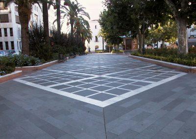 Negro Villar_Bush hammered granite tiles Villar del Rey, San Francisco Square 2, Badajoz(Spain)