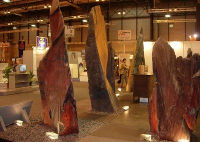 exposicion-de-monolitos-de-diferentes-colores-de-villar-del-rey